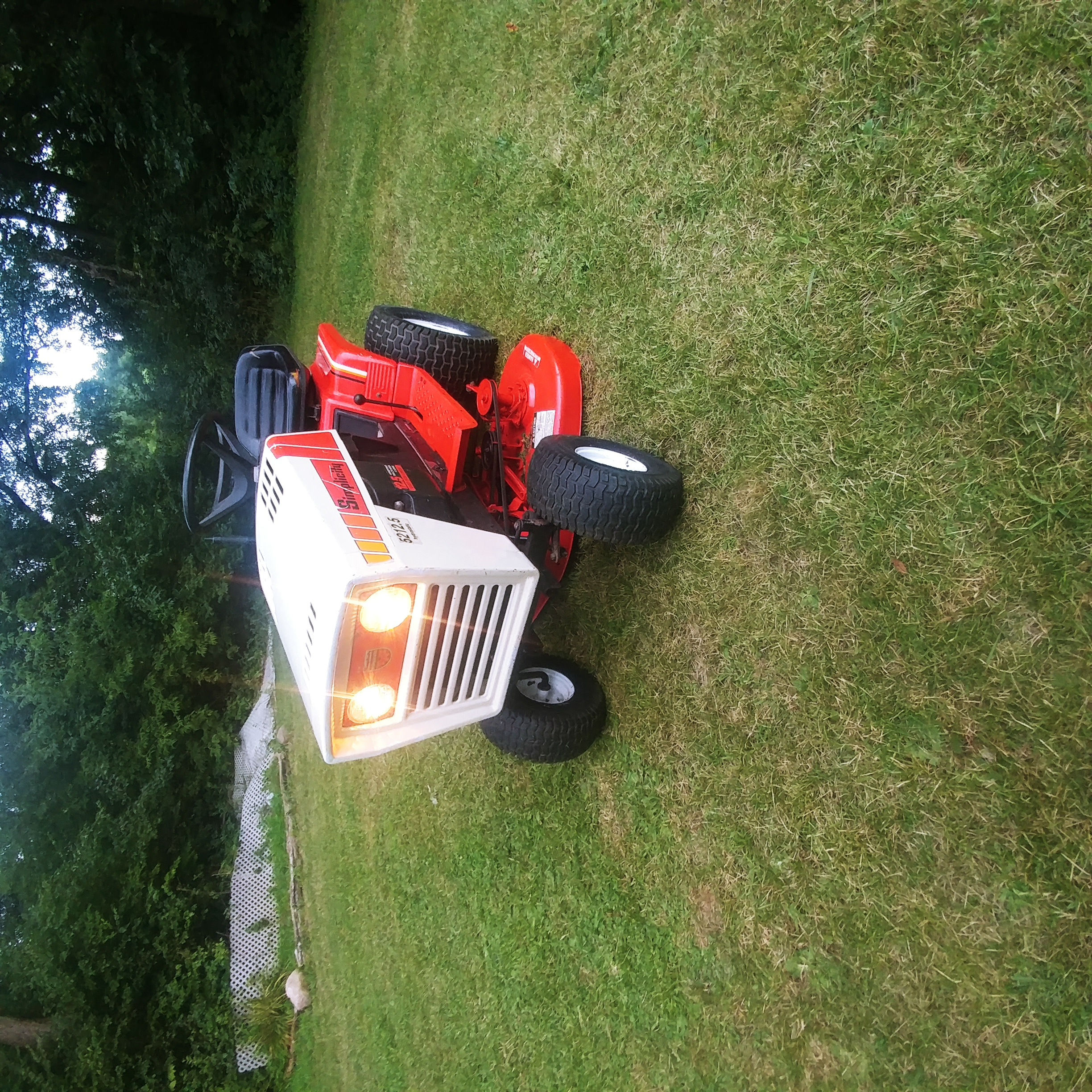 Photo Simplicity 5212.5 Great Garden Tractor 42Cut Hydrostatic