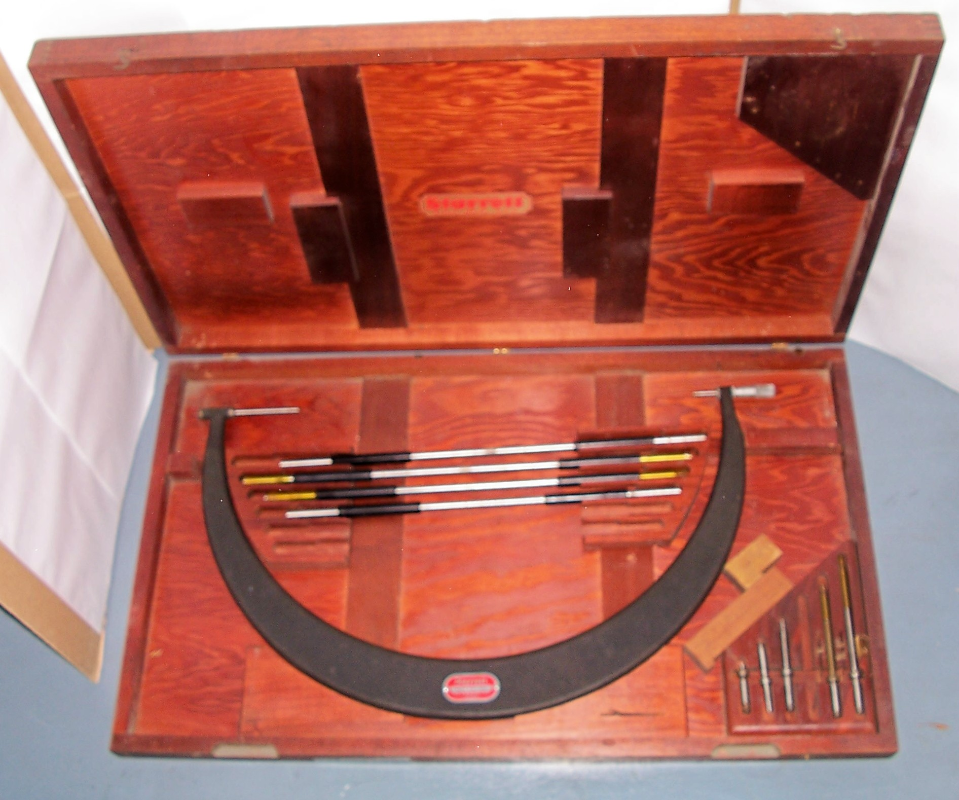 Photo Starrett 724 18-24 Outside Micrometer Set