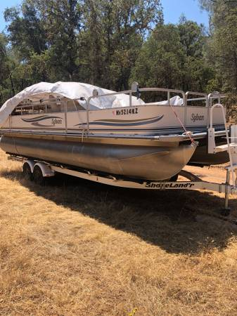 Photo 02 Sylvan Pontoon boat 24 (Near Auburn)