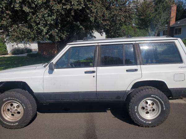 Photo 1994 jeep cherokee - $2500 (Susanville)