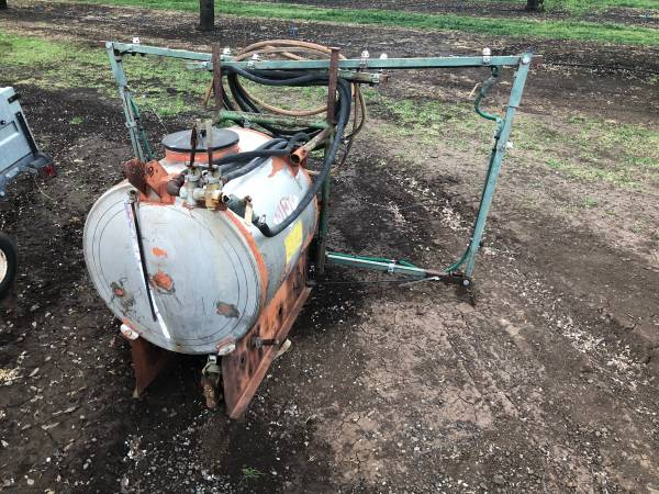 Photo 3 point pto sprayer - $750