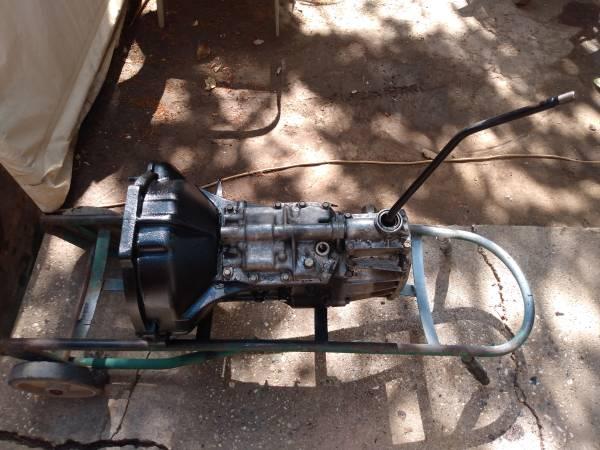 Photo 79 to 83 toyota transmission - $250 (Yuba city)