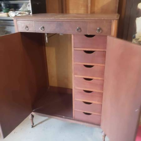 Photo Antique Wardrobe closet Armoire Dresser. Cherry Wood.190039s H46quotW41quot - $450 (Chico)