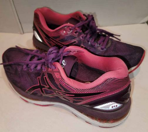 Photo Asics Gel-Nimbus 19 Womens Pink Purple Athletic Running Shoes size 7.5 - $25 (Chico)