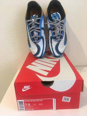 Photo BRAND NEW NIKE AIR MAX WOMENS SHOES - $70 (CHICO)