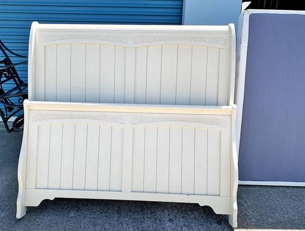 Photo Full Size Sleigh Bed Headboard Footboard Ashley Furniture - $125 (Chico)