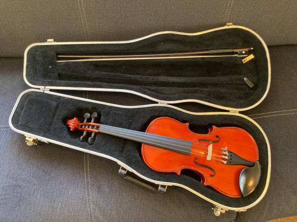 Photo Glaesel 34 Violin Model VI201E3 with Glaesel Case and Bow - $200 (OROVILLE)
