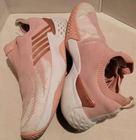 Photo K-Swiss Aero Knit Coral Womens Tennis Shoes - $40 (Chico)