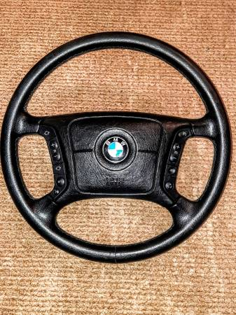 Photo Leather Steering Wheel for BMW 740il e38 - $160 (Chico)