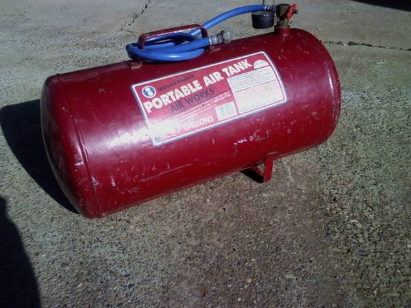 Photo Midwestern Products Portable Air Tank, Air Works - 7 gal - $20 (Oroville - off Foothill)