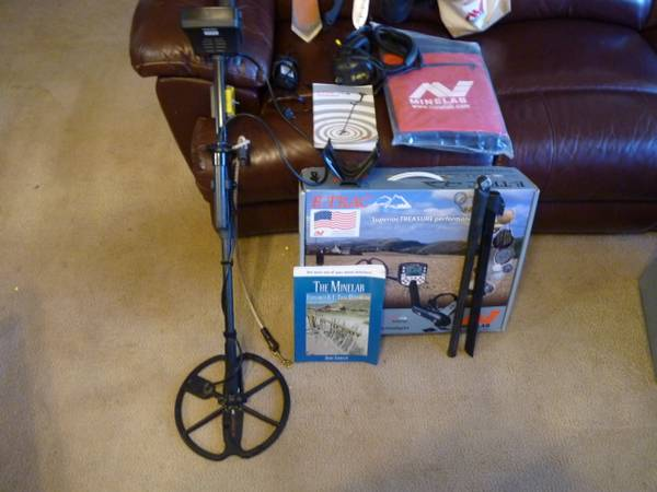 Photo Minelab E-trac metal detector with extras - $900 (Oroville)
