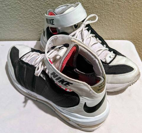 Photo Nike Air Max Super Bad Football Cross-Trainers Vintage Size 10 - $85 (Chico)