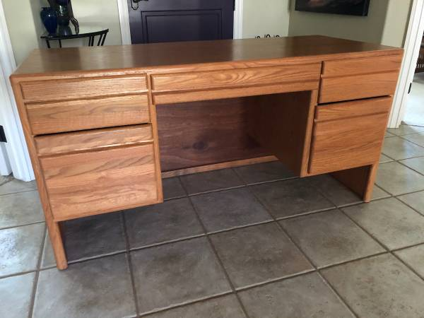 Photo Oak Desk with file drawers - $90 (Chico)