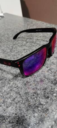 Photo Oakley Holbrook sunglasses Matte Black Deep Water Polarized - CUSTOM - $120 (Chico)