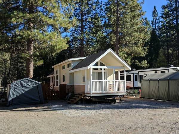 Photo Park Model, Modular, Motorcoach, RV, 5th Wheel Lot Leases (Lake Almanor)
