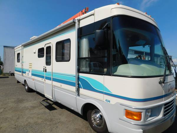 Photo RV NATIONAL DOLPHIN 3439 CLASS A MOTORHOME - $16950 (GOLD COUNTRY RV)