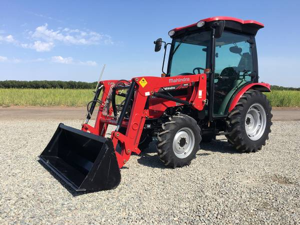 Photo Scratch  Dent Special 44HP Mahindra 2545 CAB Tractor - SAVE BIG - $23950 (Red Bluff, CA)