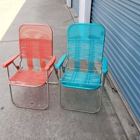 Photo Set of 2 NEW Mainstays Folding Jelly Beach Chair Aqua Blue  Red - $25 (Chico)