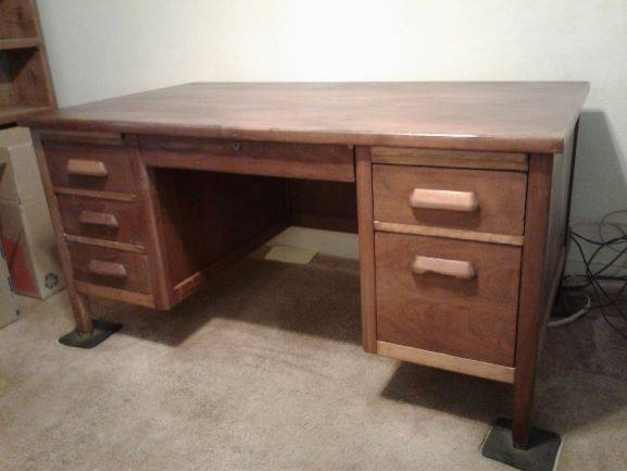 Photo Solid Oak Desk - $60 (Oroville -off Foothill)