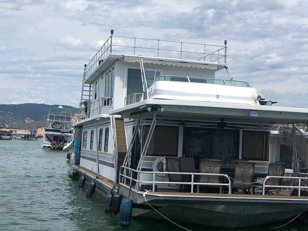 Photo Sumerset Houseboat 2 Story Sleeps 17 in Beds 75x18 Bidwell Marina - $239,500 (Oroville)