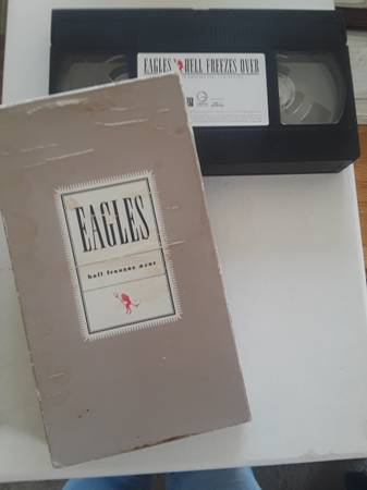 Photo The Eagles quotHELL FREEZES OVERquot Vhs - $8 (Elk Grove)