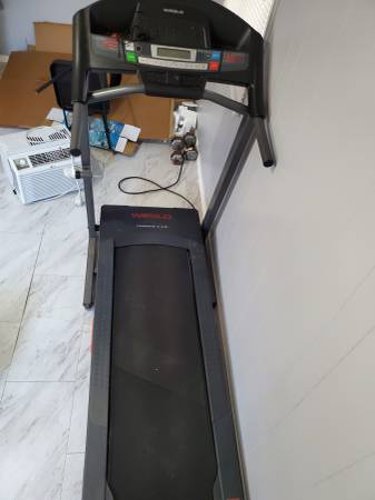 Photo Treadmill Weslo Cadence G 5.9i - $220