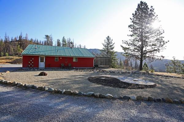 Photo Turn key Off the Grid Home on 10 acres CASH ONLY (Old Shasta)
