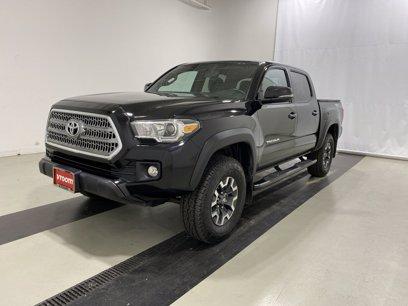 Photo Used 2017 Toyota Tacoma TRD Off-Road for sale