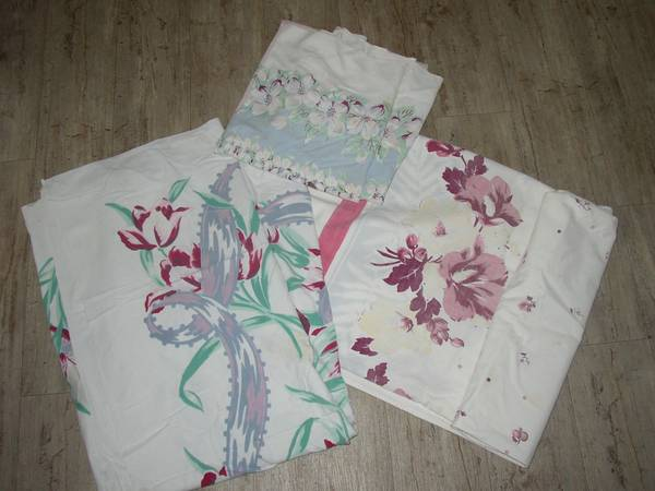 Photo Vintage 5039s tablecloths (3) - $40 (Chico)