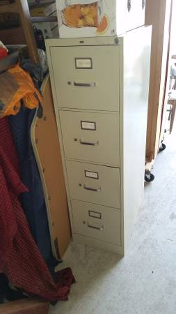 Photo Vintage Hon 4 Drawer metal File cabinet H 52quot xW18quot xD26.5quot lock , Key - $100 (chico)