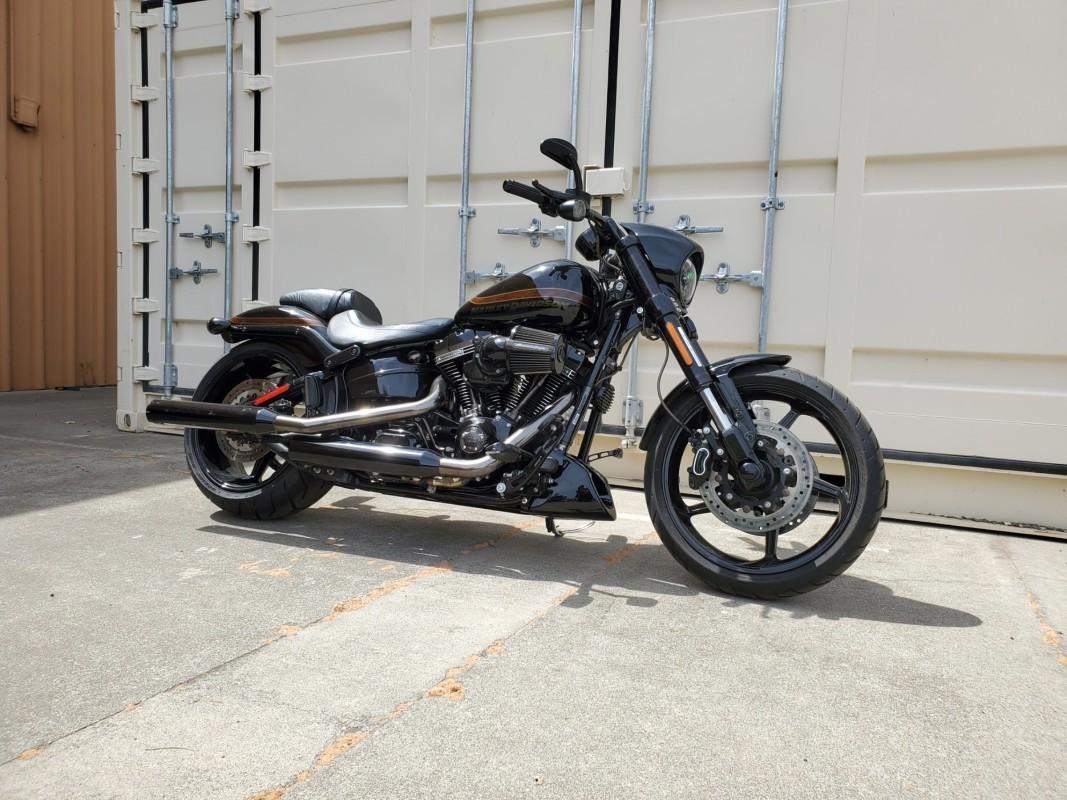 Photo 2017 Harley-Davidsonxc2xae CVO Pro Street Breakoutxc2xae $23999