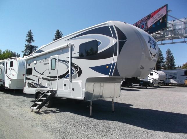 Photo 2021 Arctic Fox Fifth Wheel RV  $63998