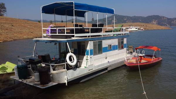 Photo houseboat for sale 1972 holiday lake cruiser - $25,000 (Oroville)
