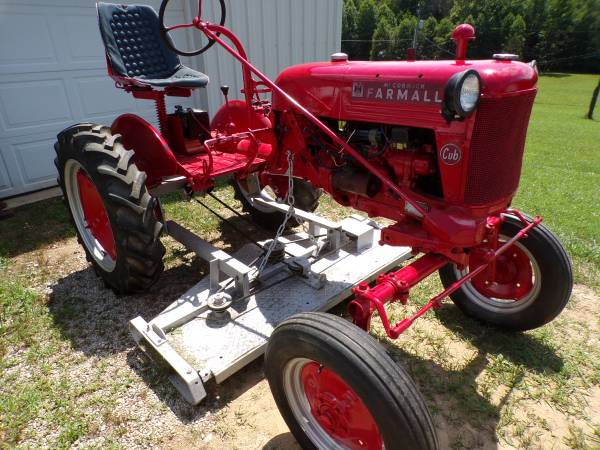 Photo 1953 Farmall Cub with 5 Ft belly mower - $1750 (Otway, Ohio)