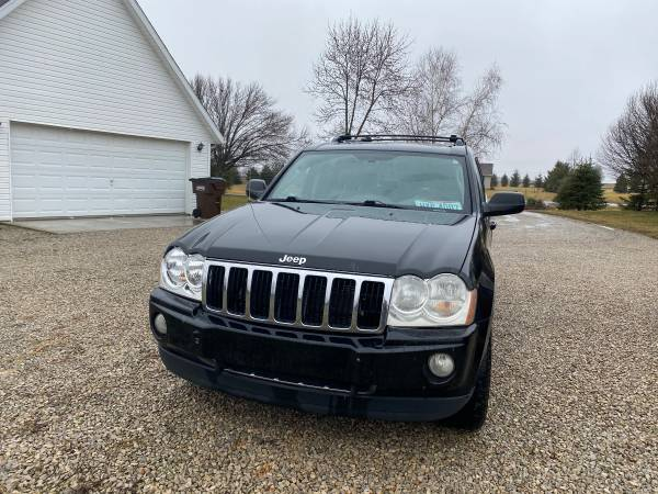 Photo 2005 Jeep Grand Cherokee 5.7 Hemi 4x4 - $3800 (Washington Court House)