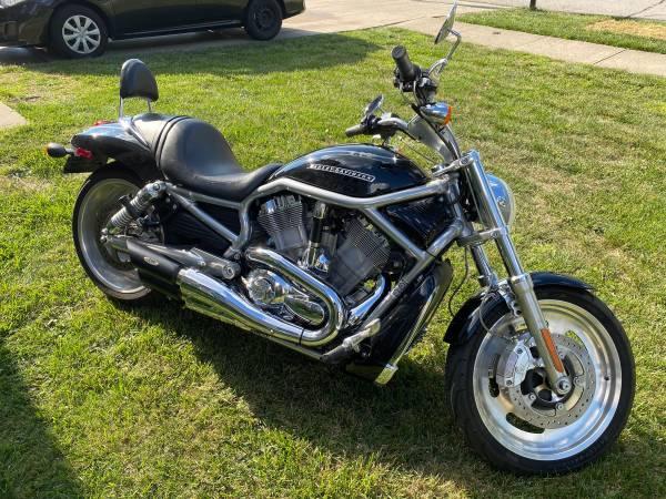 Photo 2007 Harley V-Rod - $7,900 (Hilliard)