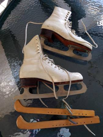 Photo Riedell Ice Figure Skates model 220--Size 4 (shoe size 6)--White - $39 (Clintonville, Columbus, OH 43202)