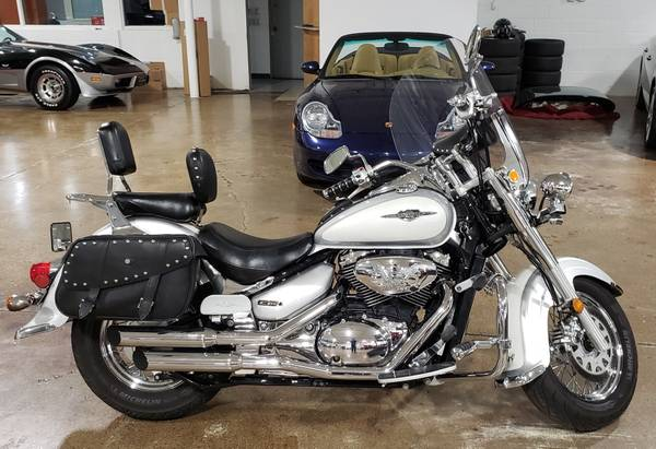 Photo Suzuki Boulevard C50T Lots of Extras Excellent Condition - $4,500 (Columbus)