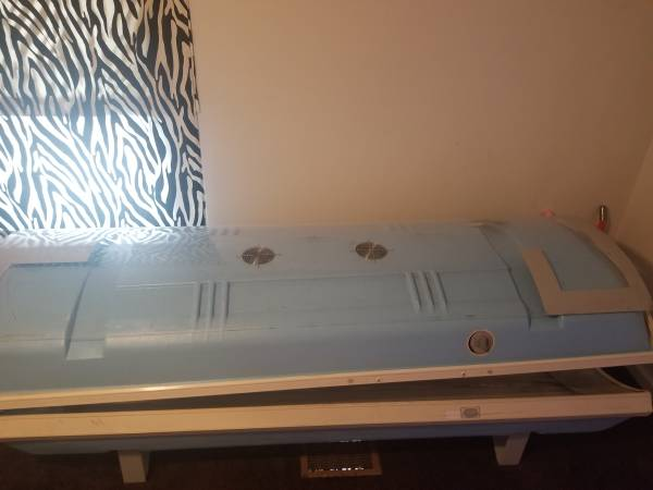 Photo Tanning bed - $125 (McArthur)