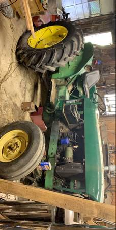 Photo 1965 2010 John Deer Farm Tractor - $2,500 (Loveland, OH)