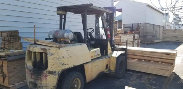 Photo 1998 Hyster forklift w11,000 lb capacity  dual solid pneumatic tires - $9000 (Cincinnati)