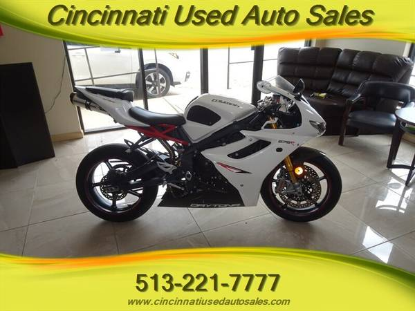 Photo 2012 Triumph Daytona 675R SuperSport Motorcycle - $7,495