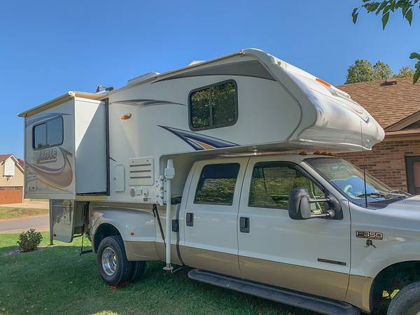Photo 2013 Lance 1050s Slide-In Truck Cer - $26,900 (Batesville Indiana)