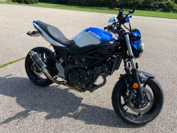Photo 2018 Suzuki SV650 - $5,000 (Cincinnati)