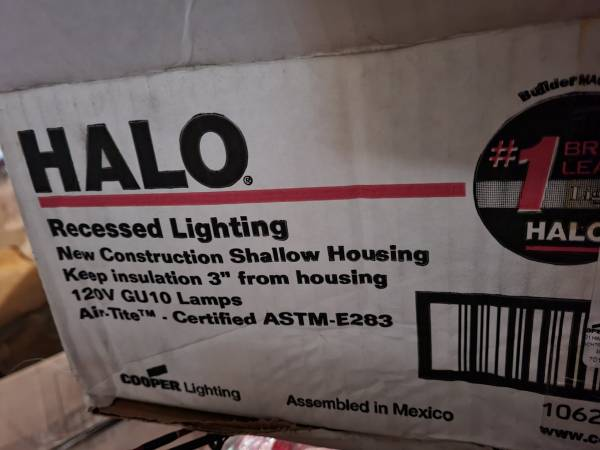 Photo 3 boxes of recessed (can) lights - almost 20 in all - never used - $40 (New Richmond)