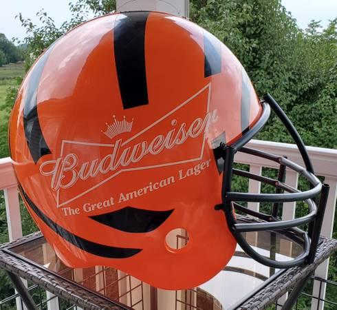 Photo Bengals Budweiser  Bud Light Football Helmet Huge - $125 (Florence)