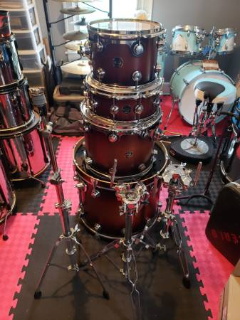 Photo Dw collectors series - $2000 (Portsmouth)