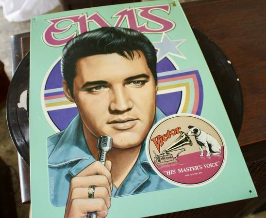 Photo Elvis Presley His Masters Voice RCA Victor Metal Tin Wall Hanging Sign - $20 (West Chester Ohio)