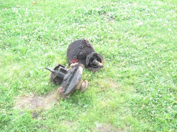 Photo Farmall Cub Final Drives - $40 (walton)