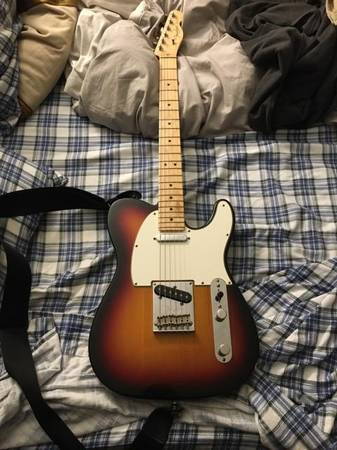 Photo Fender American Standard Telecaster 2009 - $900 (MilfordLoveland)
